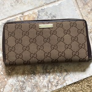 Authentic Gucci zip-around wallet